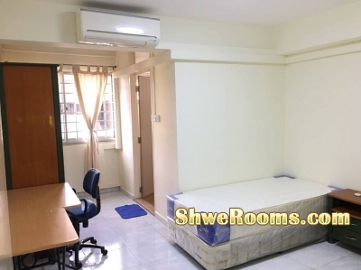 Two ladies/One lady for clean & spacious Master Bedroom