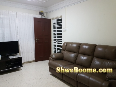 **Spacious Air-Con Common room rent for 2 ladies at 2 mins walk to Marsiling MRT**