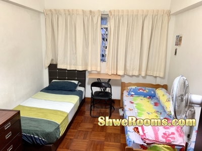 One male roommate for common room with AC @ Near Bukit Batok MRT